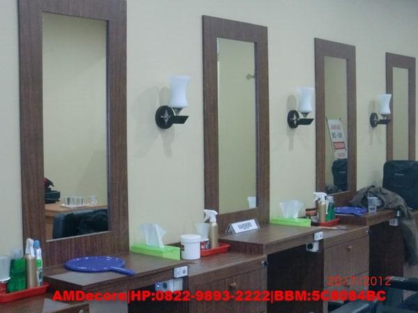 foto Meja dan cermin PAX One Barbershop